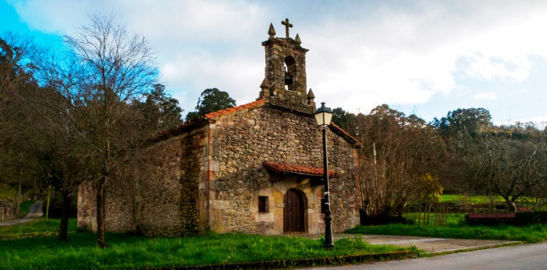 Ermita de Nª.Sª. de El Carmen en Villabáñez portada